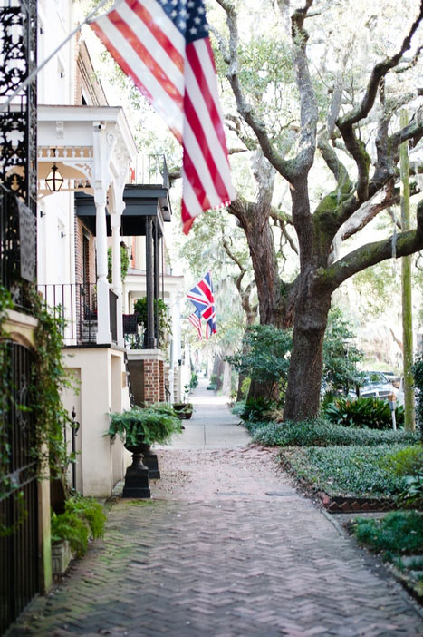 historic Savannah street