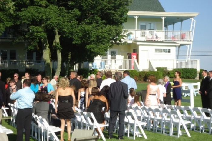 Intimate-Weddings-South-Haven-MI-Sun-N-Sand-2