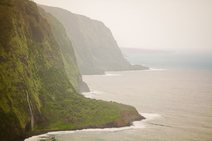 hawaii cliffs