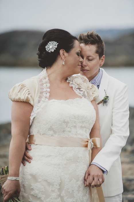 weding portrait by the sea
