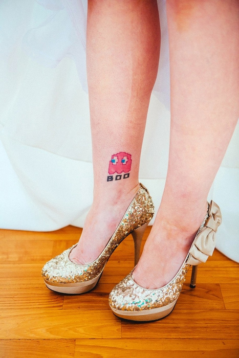 bride with pacman tattoo