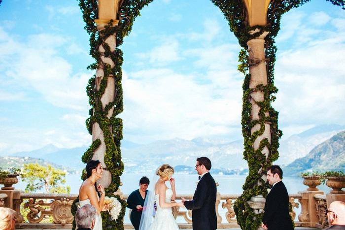Italian villa wedding ceremony