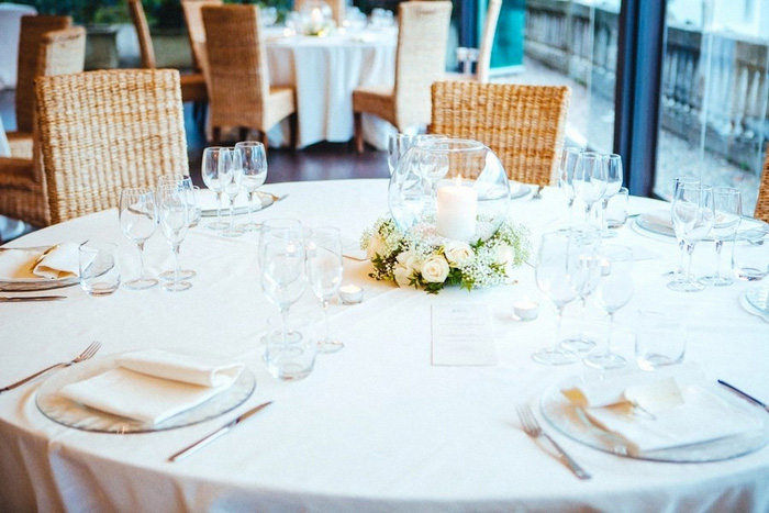 restaurant wedding table setting