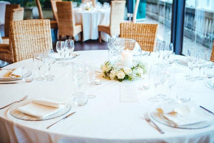 restaurant wedding table setting