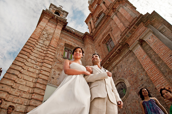 bride and groom in Puerto Vallarta