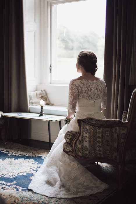 bride wating for her groom