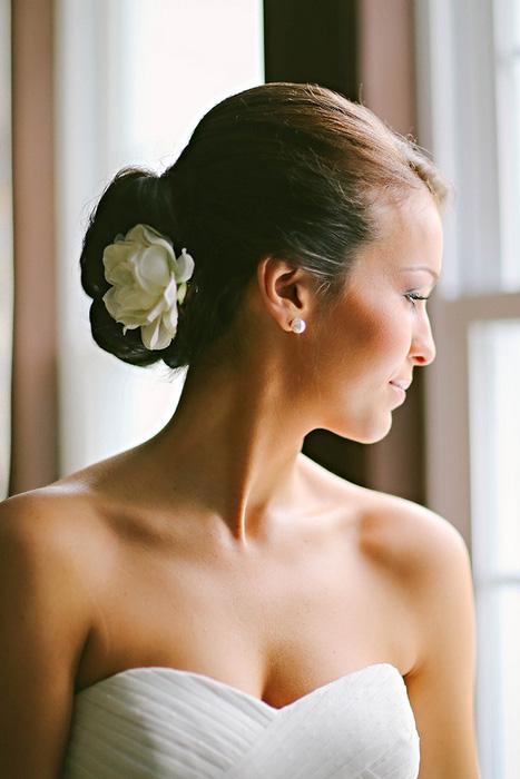 Trang điểm cho cô dâu trong ngày cưới