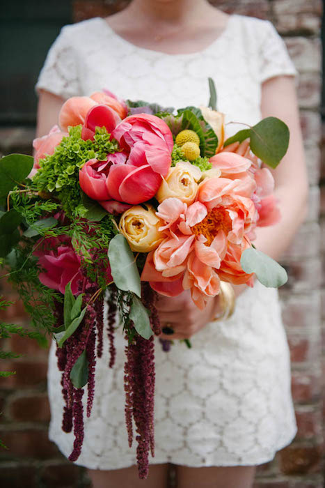 http-::apracticalwedding.com:2013:06:bright-oversized-wedding-bouquet-diy: