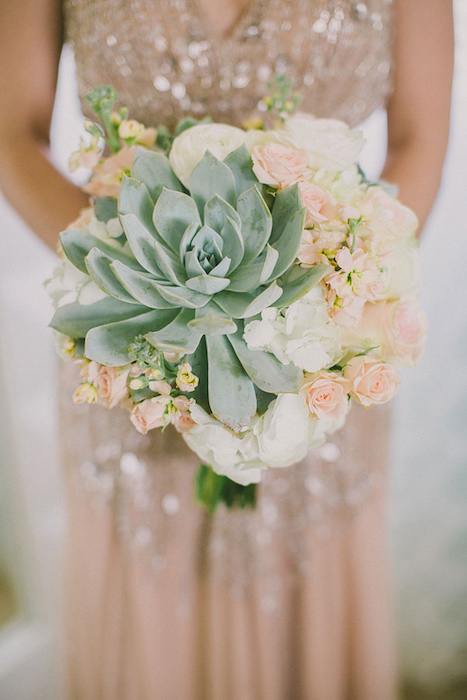 Ruffled - 10 Gorgeous Oversized Wedding Bouquets
