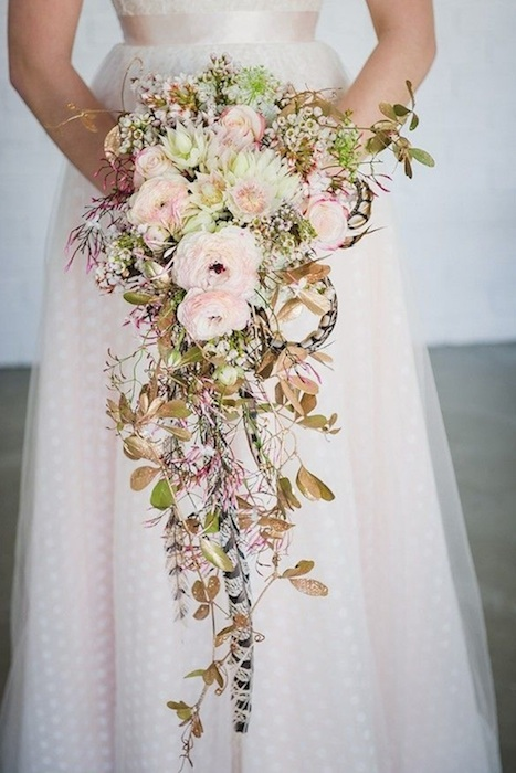 http-:www.theprettyblog.com:wedding:romantic-blush-emerald-inspiration: