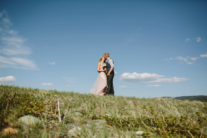 Bride and groom in Alberta National Park