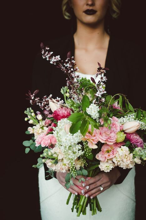 http-::burnettsboards.com:2014:06:edgy-femininity-black-blush-wedding: