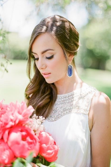 http-::www.elizabethannedesigns.com:blog:2014:04:29:bohemian-colorful-wedding-inspiration:bride-in-blue-earrings: