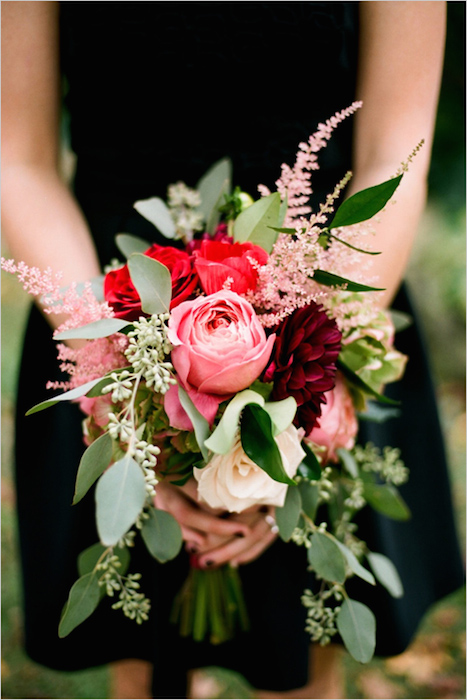 http-::www.weddingchicks.com:2014:03:06:red-wedding-bouquet: