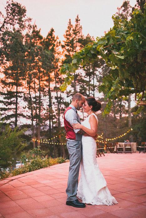 Chụp ảnh cưới siêu lãng mạn dưới hoàng hôn