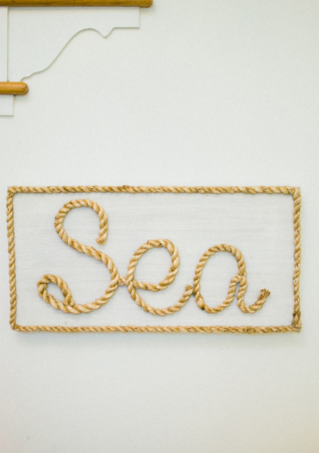 Sea rope sign