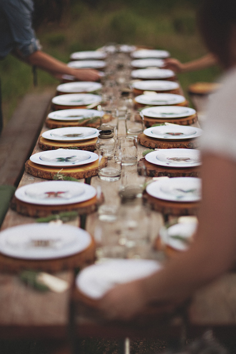 10 Ideas For Charger Plates Intimate Weddings Small