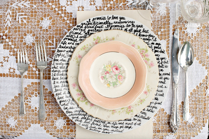 10 Ideas for Charger Plates | Intimate