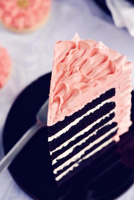 http-::sweetapolita.com:2010:11:rich-ruffled-chocolate-celebration-cake: