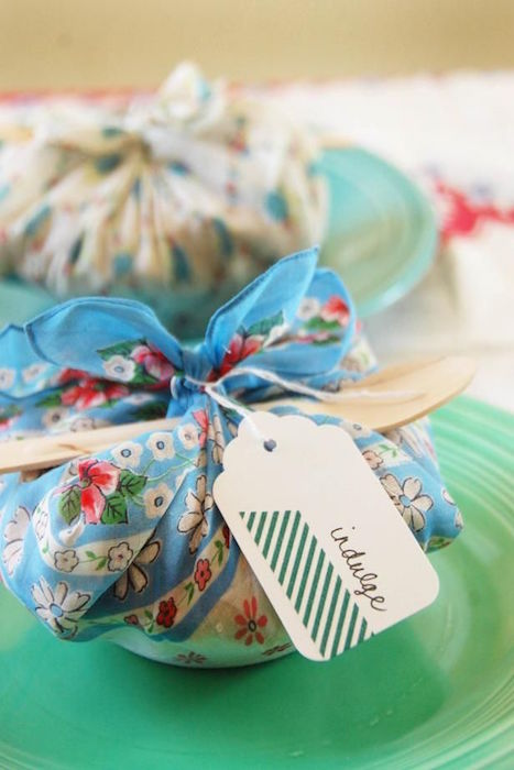 http-::www.hgtv.com:design:make-and-celebrate:entertaining:how-to-make-miniature-pie-party-favors