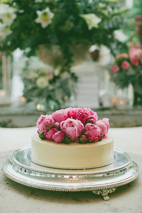 http-::www.polkadotbride.com:2012:06:sarah-and-jimmys-terrara-house-estate-wedding: