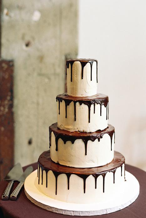 10 Tempting Chocolate Wedding Cakes