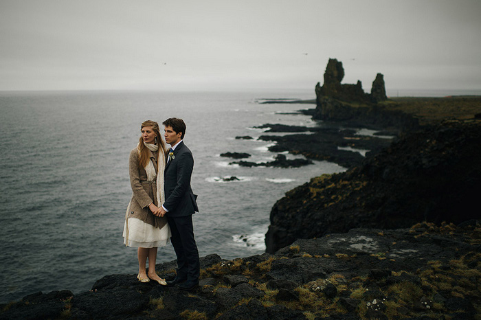 wedding portrait by the ocean