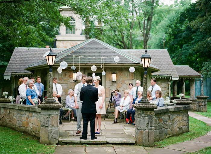 stone cottage wedding ceremony