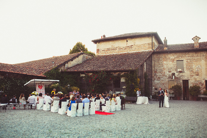 outdoor Milan wedding ceremony