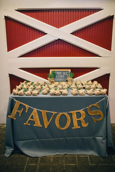 favor table