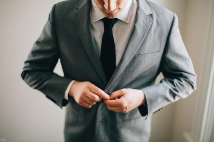 groom buttonin jacket