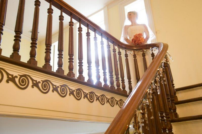 Brecknock-Hall-NY-Bride-on-Staircase