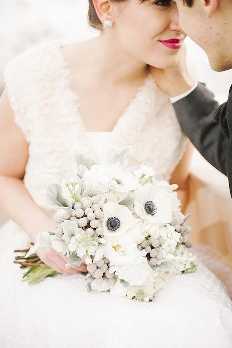 http-::ruffledblog.com:ruffled_galleries:modern-rooftop-wedding:modern-rooftop-wedding-ideas007: