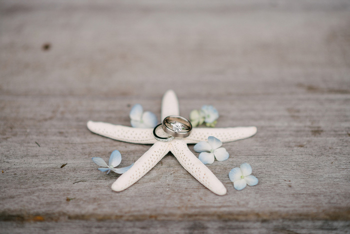wedding rings on star fish