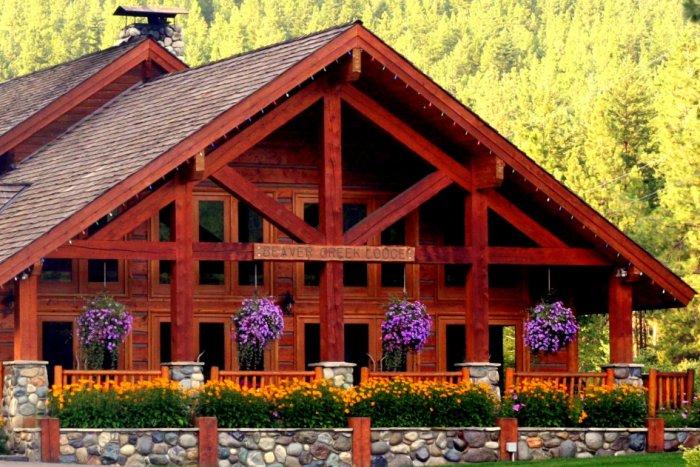 Mountain-Springs-Lodge-Plain-WA-Entrance