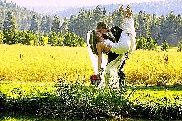 Mountain-Springs-Lodge-Plain-WA-bride-and-groom