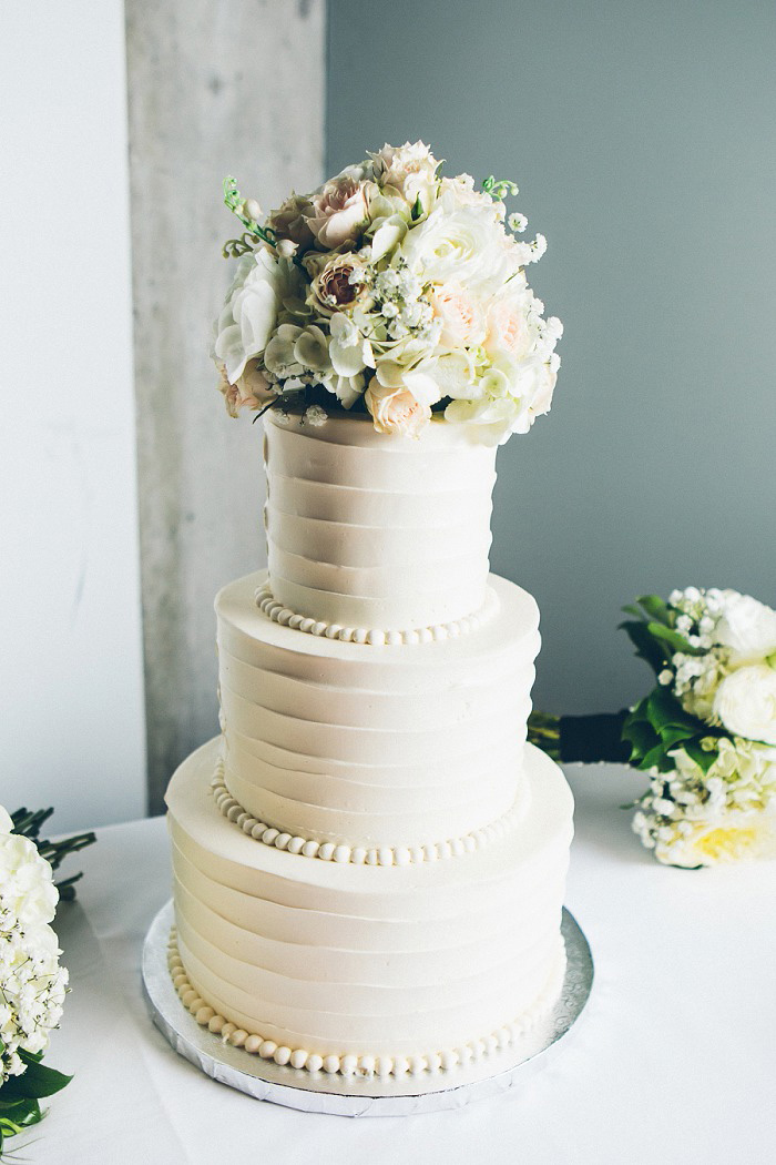 intimate wedding cakes kristin and s nashville garden wedding 16469