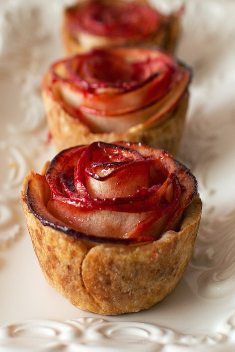 http-::www.fmitk.com:2014:07:mini-apple-rose-pies:
