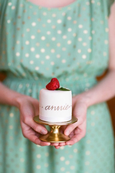 http-::www.weddingchicks.com:gallery:pink-and-gold-wedding-ideas:?pid=153440