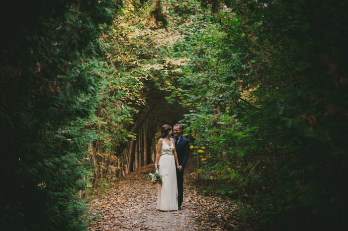 weddingportrait in the woods