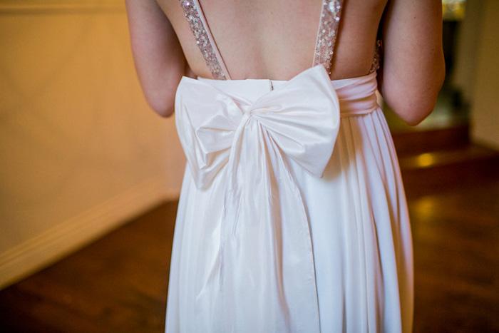 bow detail on back of birde's dress