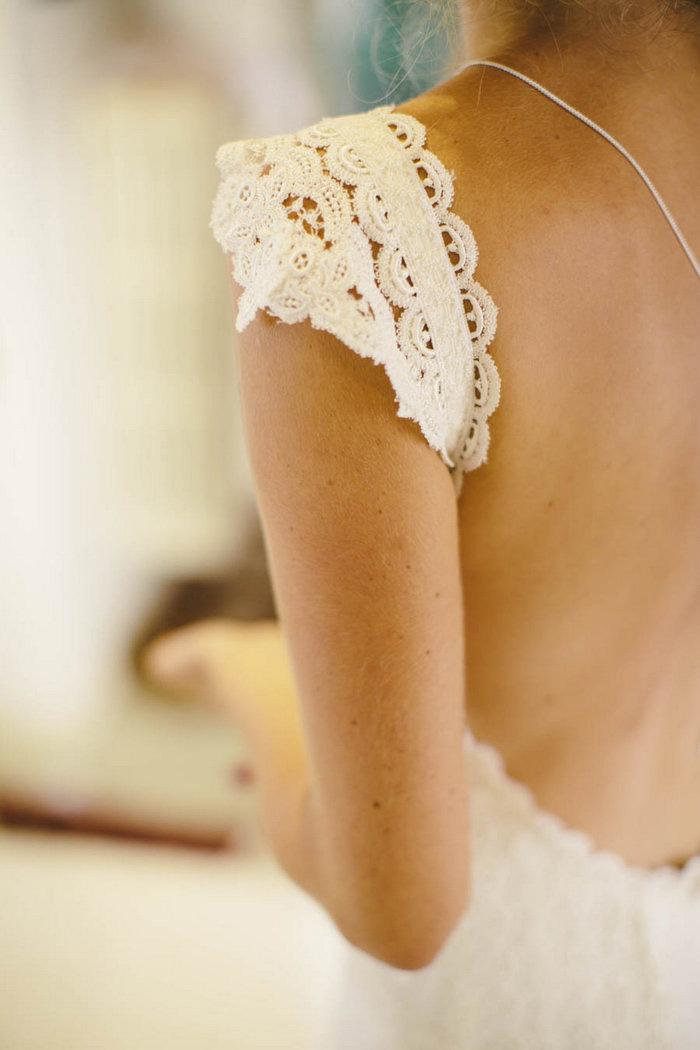 bride's lace cap sleeve