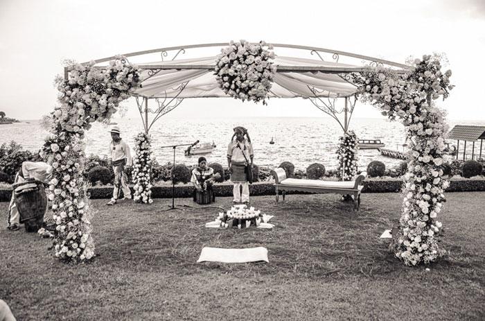 Guatemalan wedding ceremony