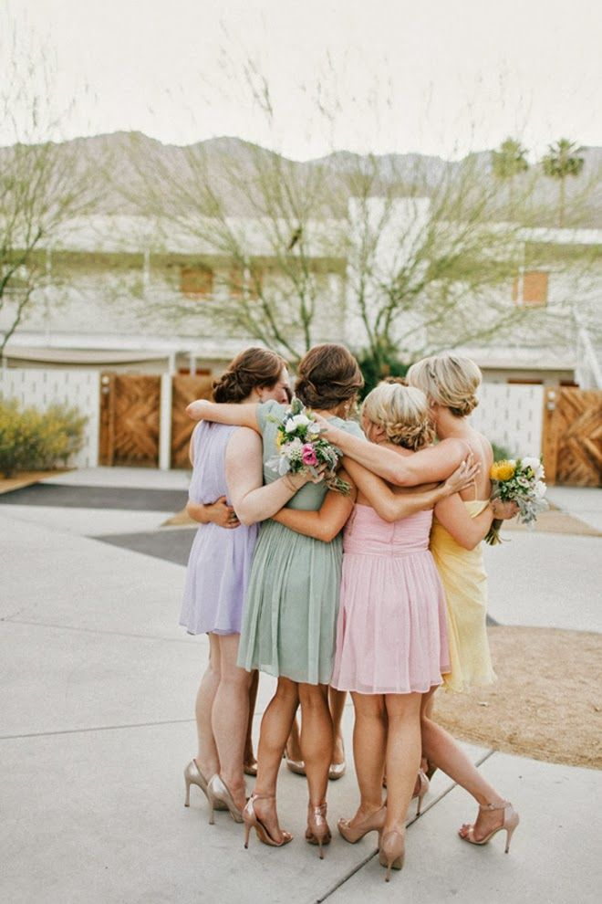 huddle bridesmaids