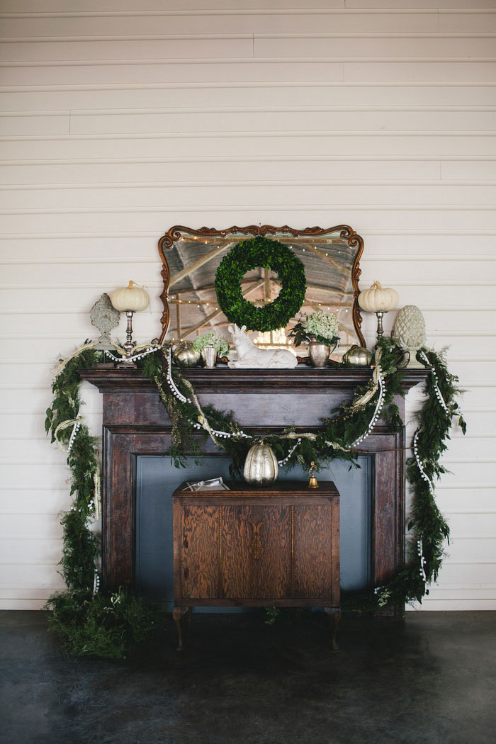 decorated mantle for wedding
