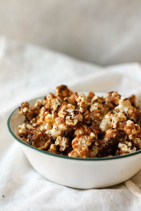 Chocolate-Drizzled-Bacon-Peanut-Butter-Caramel-Corn