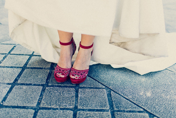 bride's pink wedding shoes