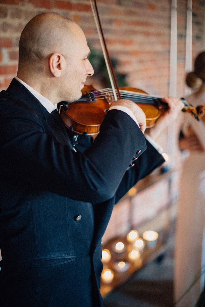 violin player at elopement