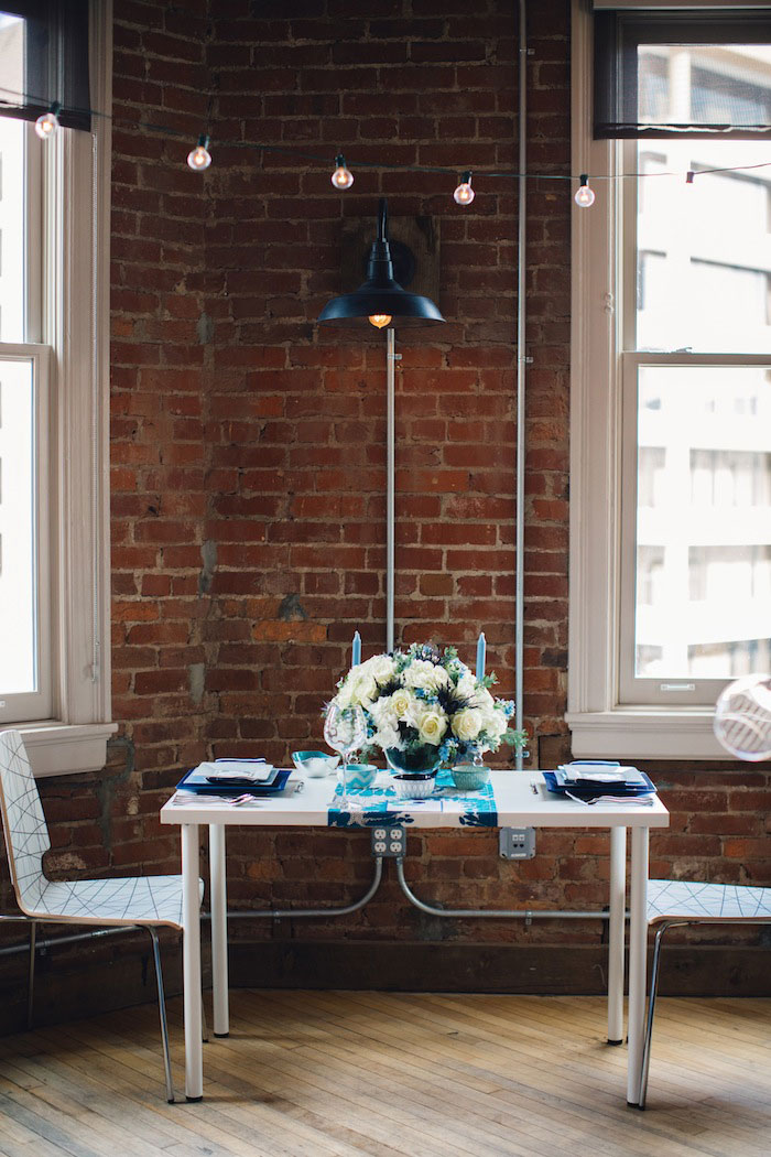 elopement dinner table set-up
