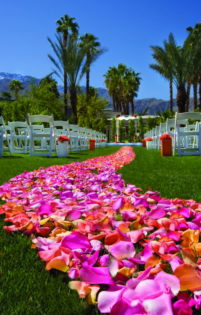 flower-petal-aisle-riviera-palm-springs
